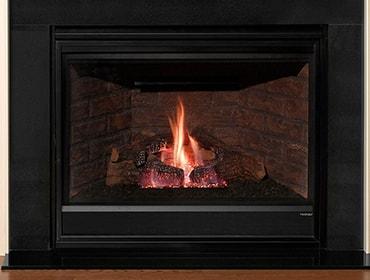 Novus Gas Fireplace With Glowing Embers Heatilator